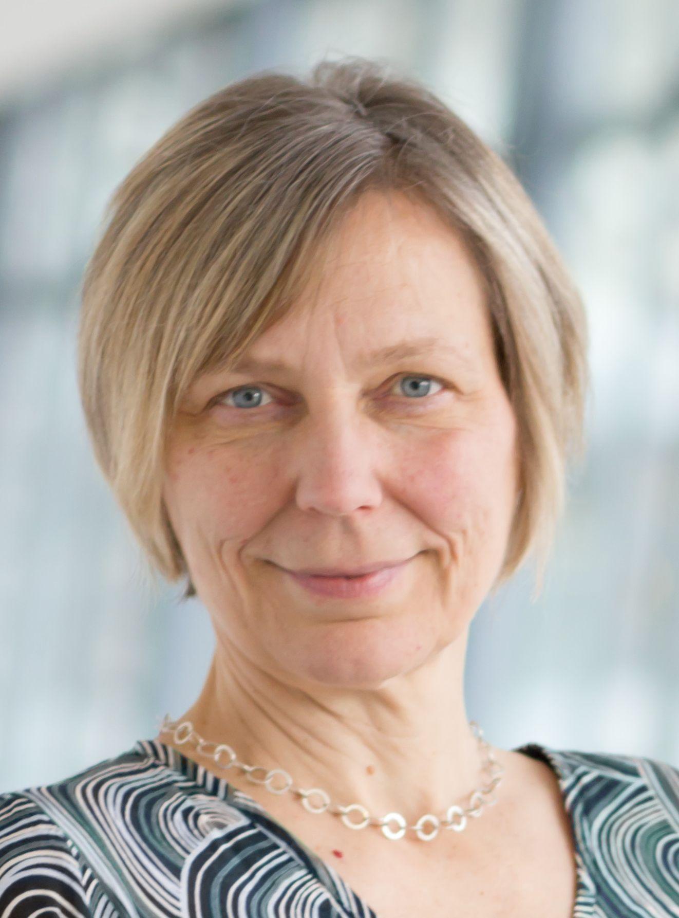 Dr. Ruth Maloszek